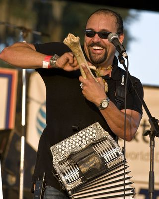 Terrance-simien-and-the-zydeco-experience_1